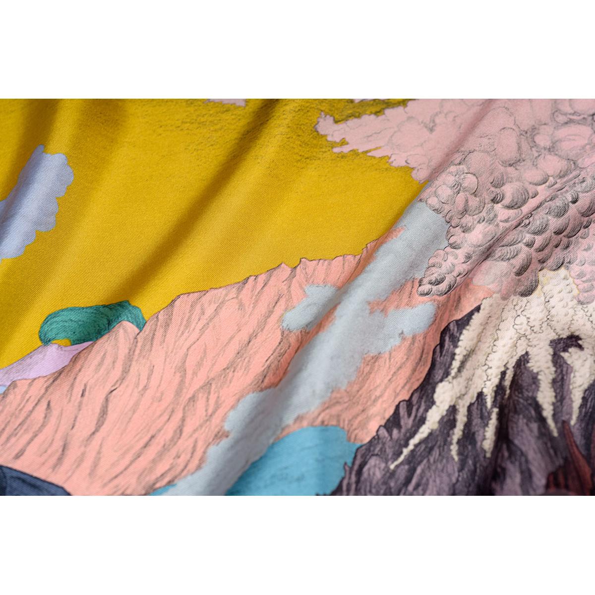 Détail foulard Volcans or de Céline Dominiak