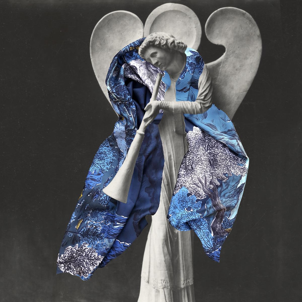 Montage foulard porté par une statue Twill de soie Dormeurs Bleu