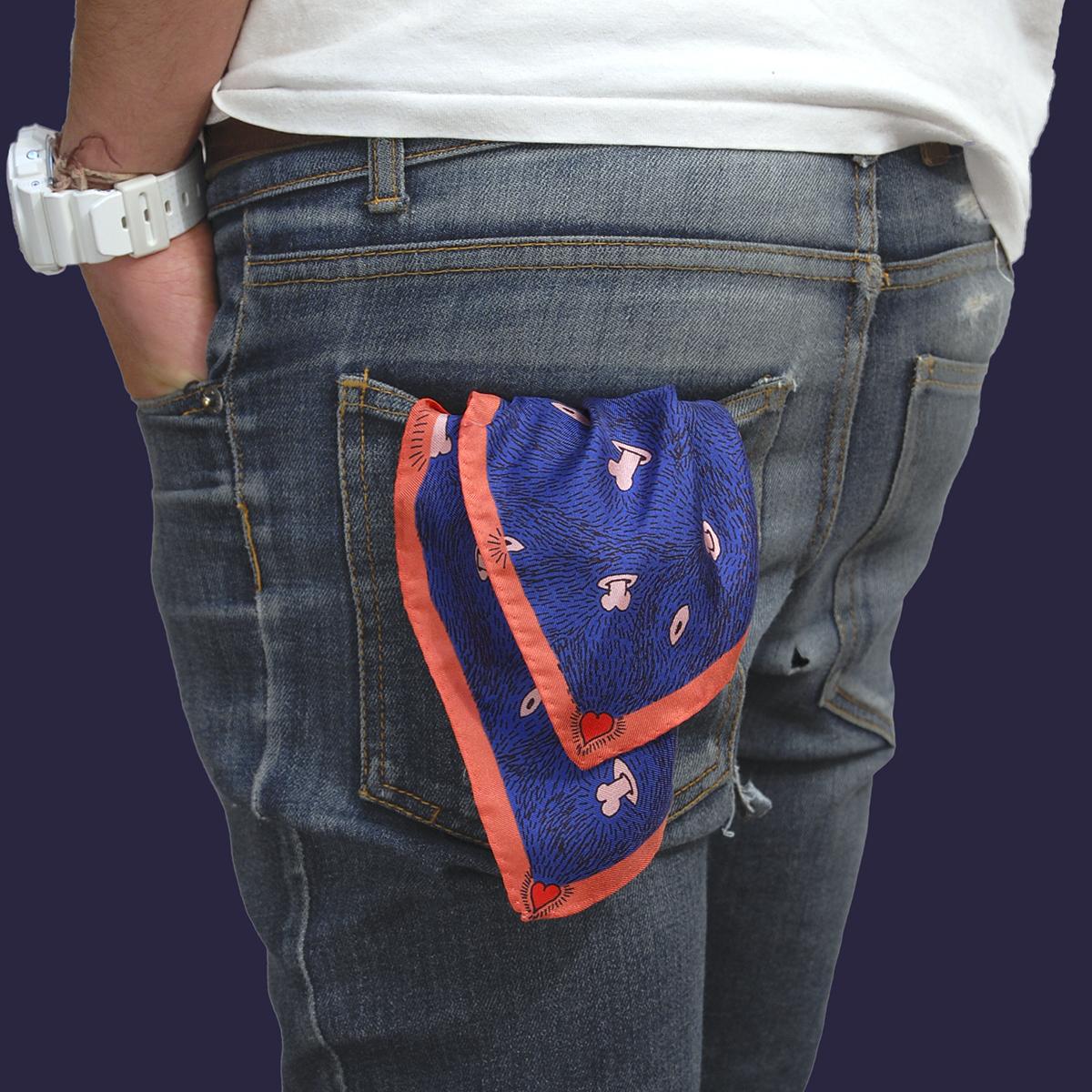 Petit foulard porté poche arrière twill de soie carré Z _ _ I / Céline Dominiak