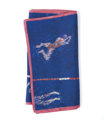 écharpe en soie bleu de Céline Dominiakpliée -