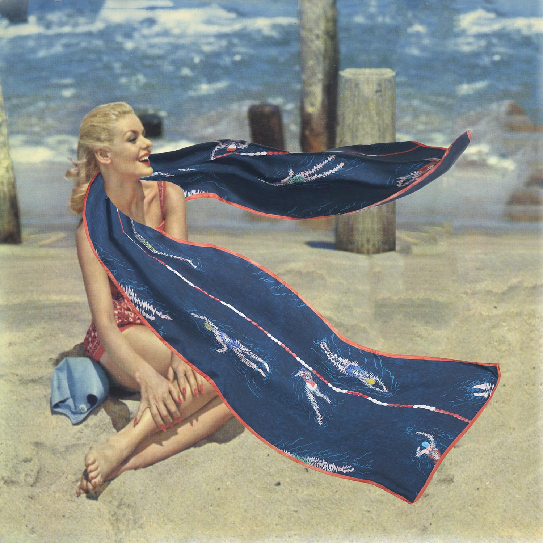 Photomontage d'une pin up années 50 avec un foulard couleur ardoise