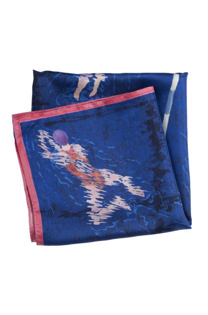 Foulard carré en soie bleu, motif nageuses