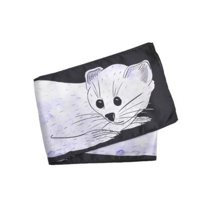 Foulard en soie dessin tête hermine parme et noir de Céline Dominiak