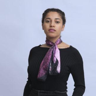 Foulard en soie dessin martre grise et noire de Céline Dominiak