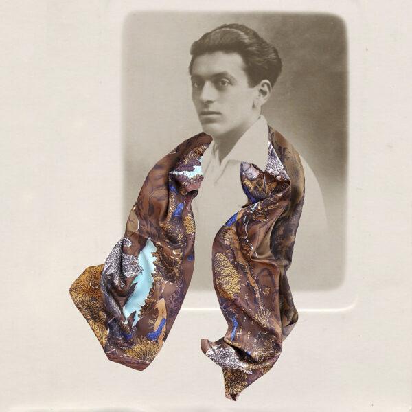Photographie noir et blanc d'un homme avec une grand foulard couleur caramel- photomontage
