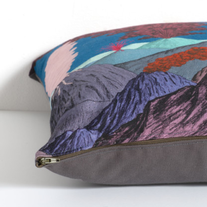 Coussin volcan bleu - Céline Dominiak